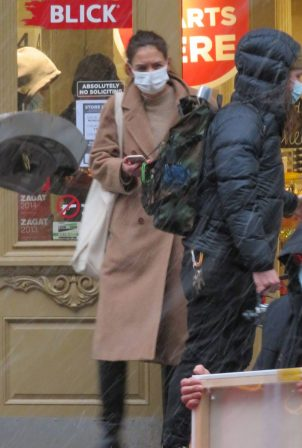 Katie Holmes - Seen at Blick Art store in New York