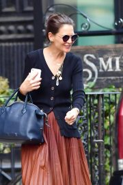 Katie Holmes - Seen at The Smile in New York City