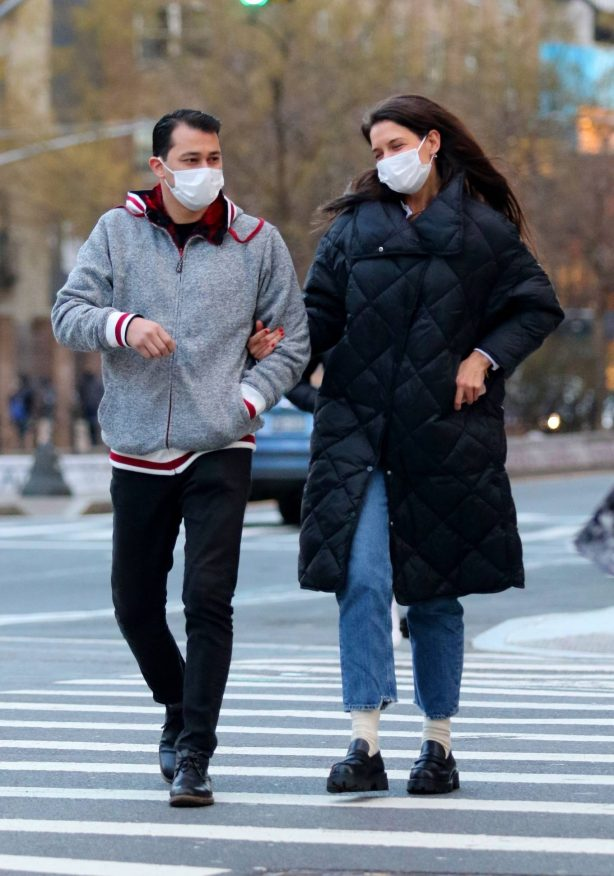 Katie Holmes - Seen during a romantic stroll in Manhattan's Soho neighborhood