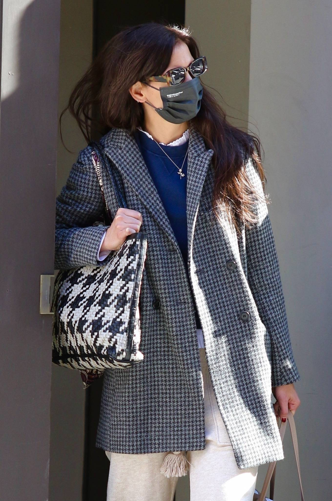 Katie Holmes 2021 : Katie Holmes – Seen running errands in Manhattan-04