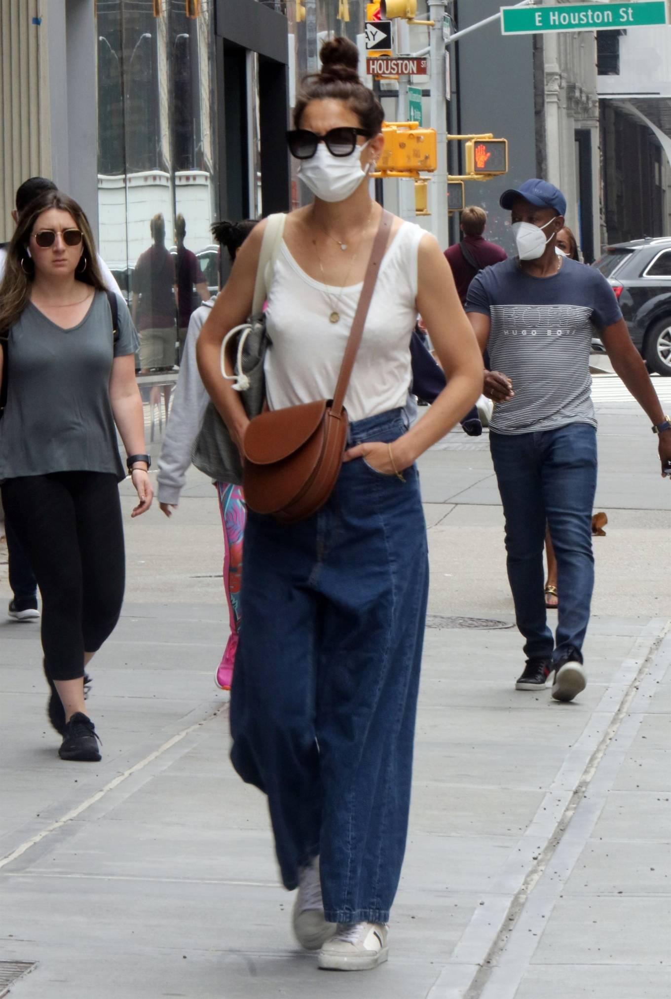 Katie Holmes 2021 : Katie Holmes – Seen waking in Soho – New York-05