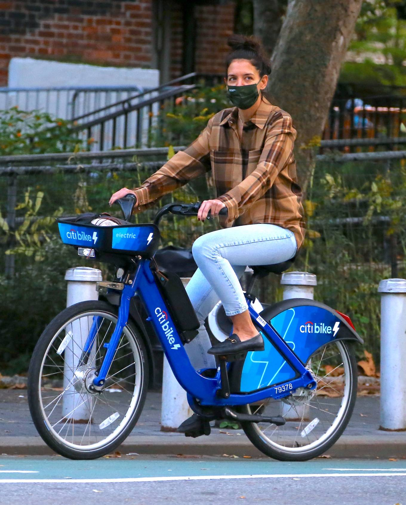 Katie Holmes - Seen while riding electric Citi Bike in Soho