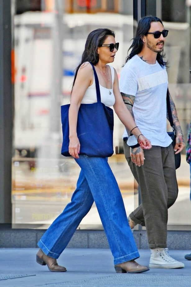 Katie Holmes - Seen with a mystery man in New York