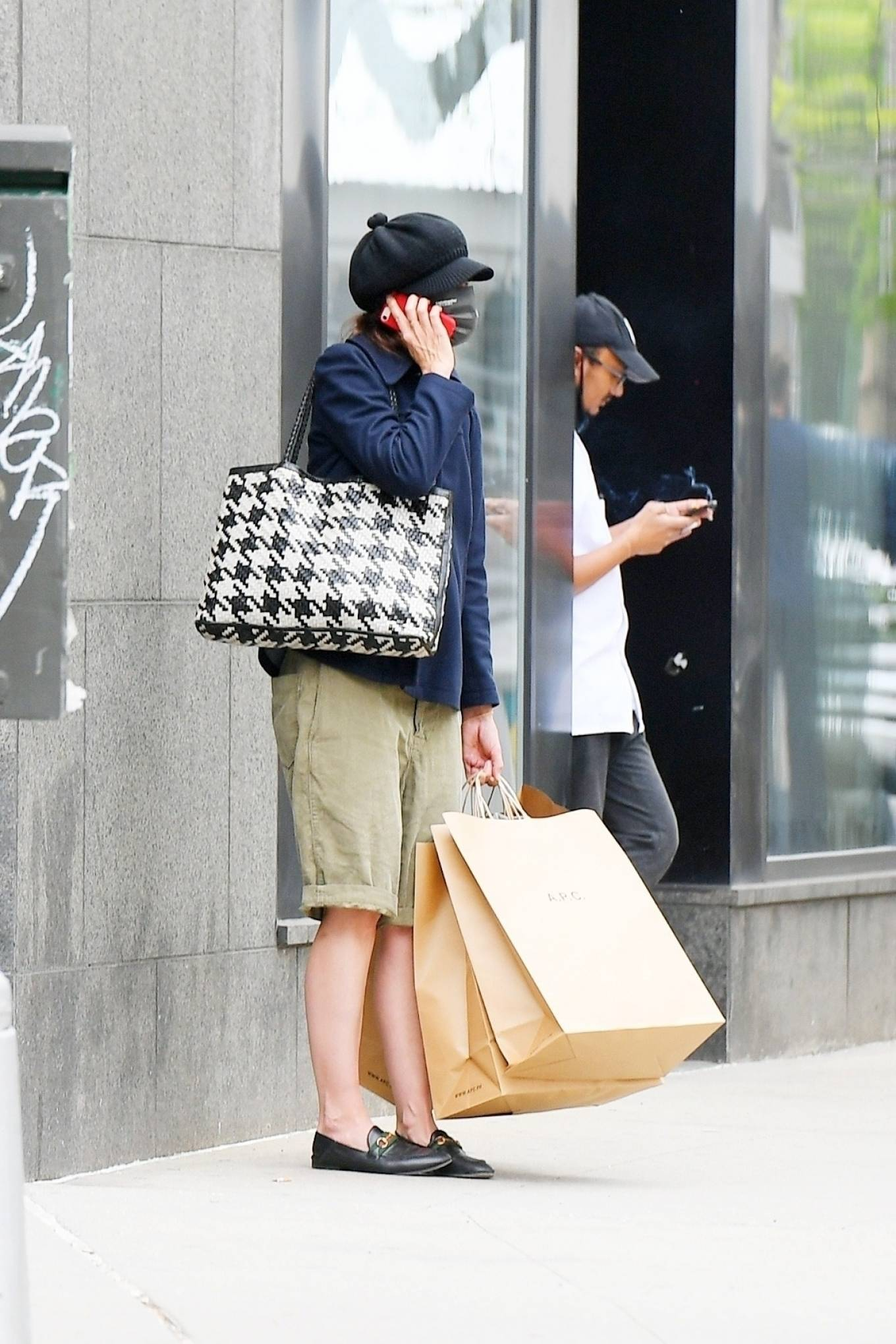 Katie Holmes 2021 : Katie Holmes – Shopping at A. P. C. in SoHo-04