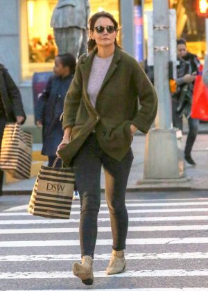 Katie Holmes - Shopping at DSW in New York City