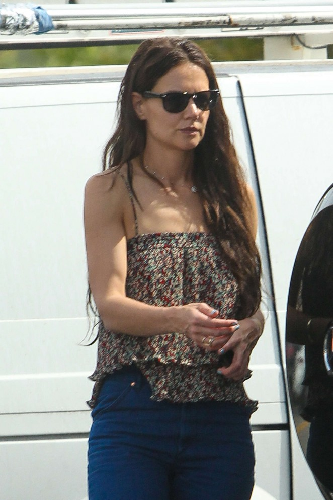 Katie Holmes - Shopping at the Commons in Calabasas