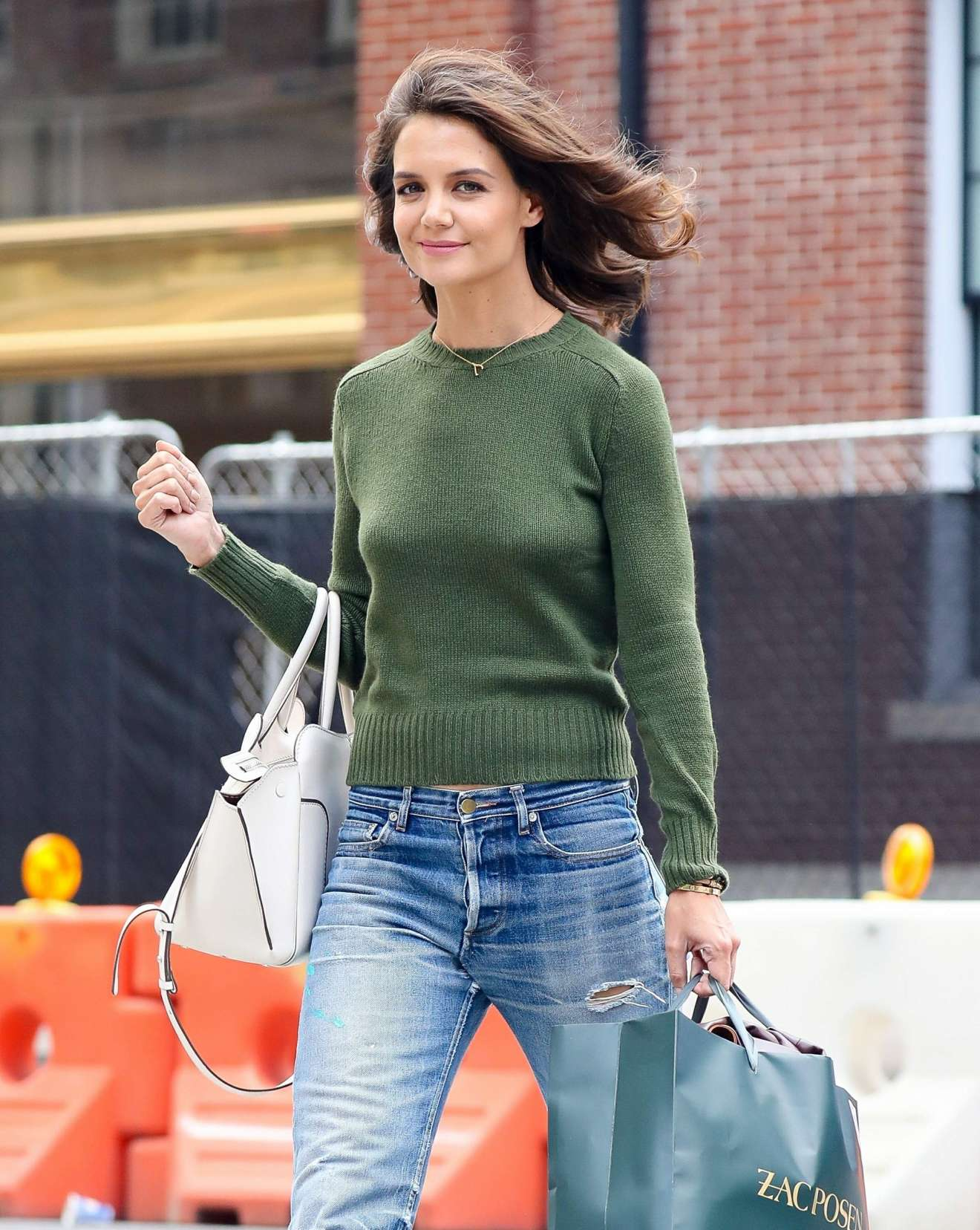 katie holmes shopping candids at zac posen in new york. Black Bedroom Furniture Sets. Home Design Ideas