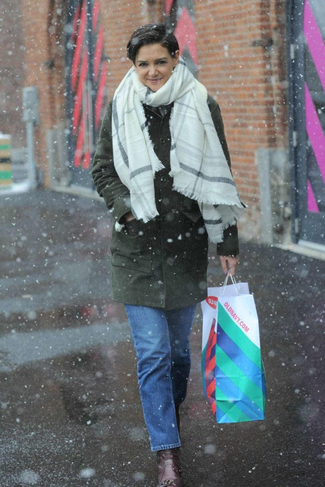 Katie Holmes - Shopping candids in New York
