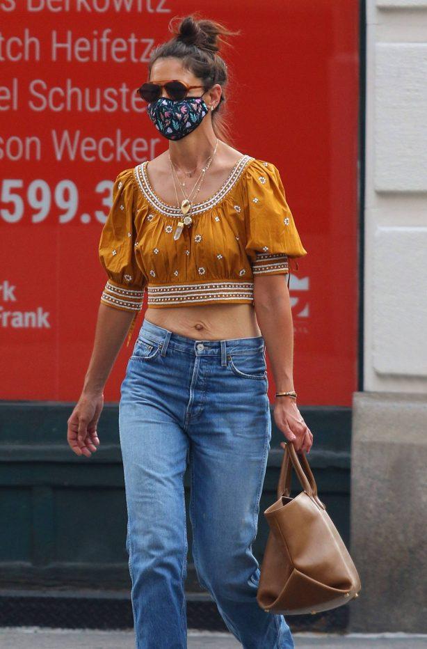 Katie Holmes - Shopping in Manhattan