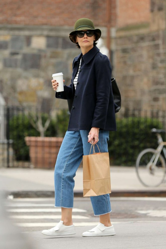Katie Holmes - Shopping in New York City