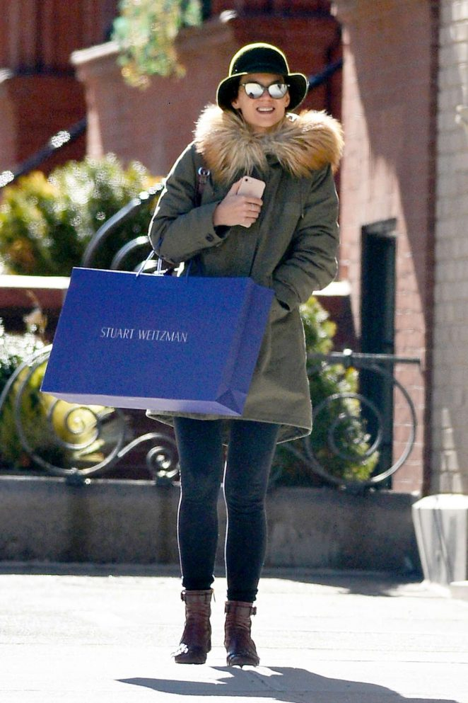 Katie Holmes – Shopping in the West Village