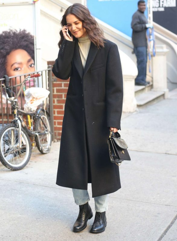 Katie Holmes - Spotted Out in NYC