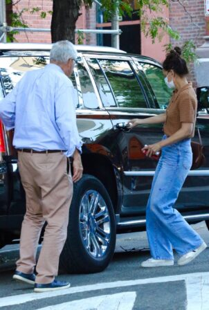 Katie Holmes - steps out with her father for dinner in NYC