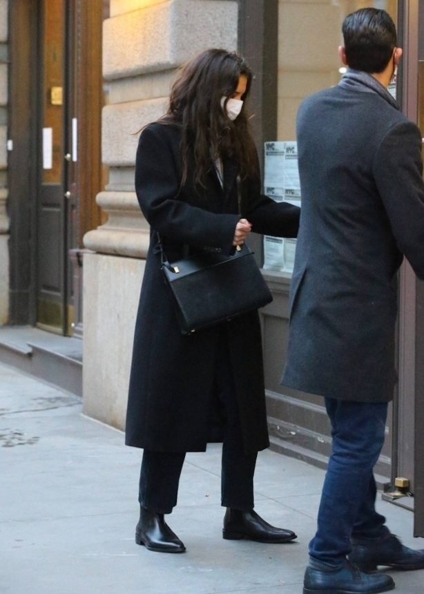 Katie Holmes - With Emilio Vitolo Jr. are spotted in chilly New York