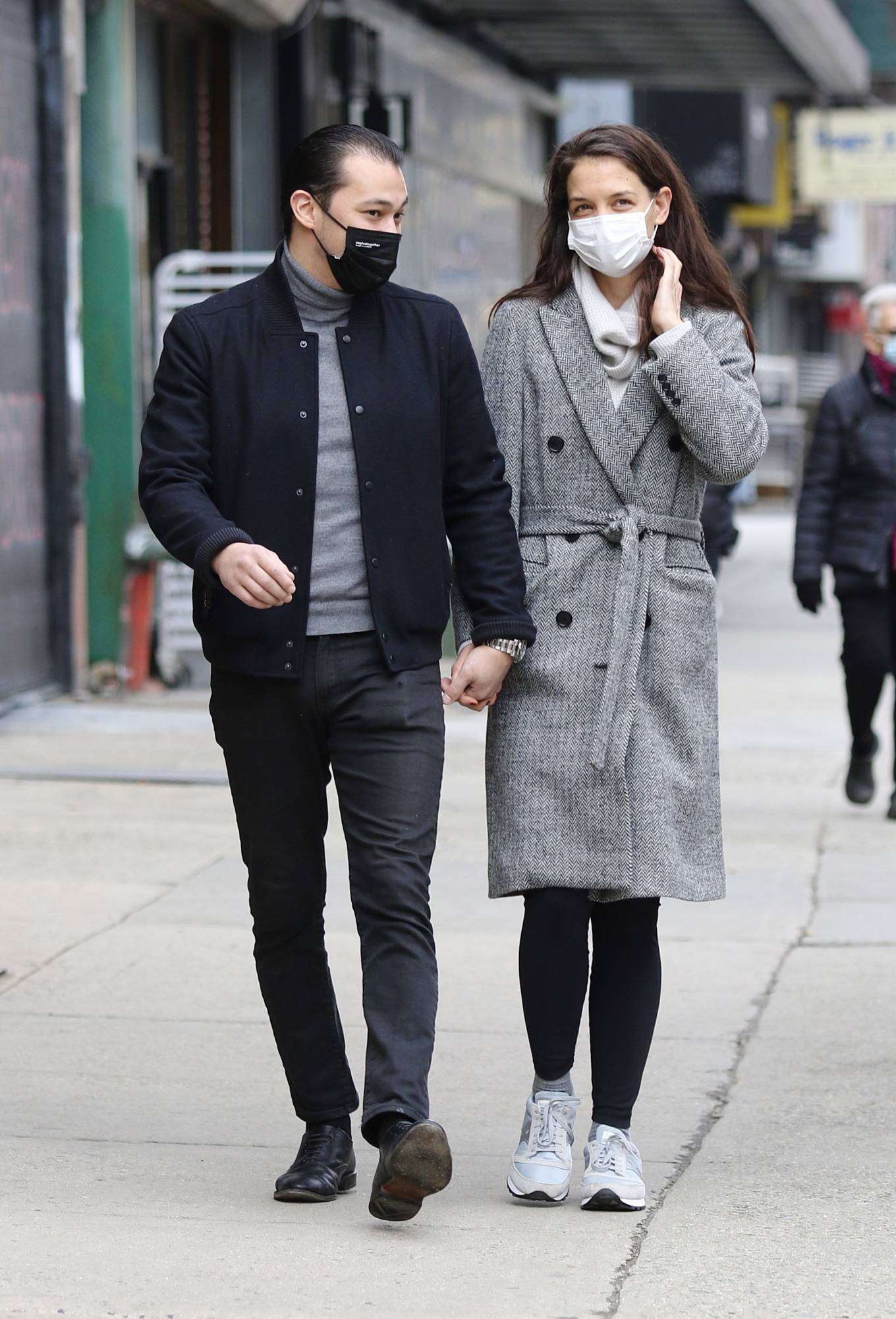 Katie Holmes - With Emilio Vitolo Jr. hold hands in Manhattan's Downtown area