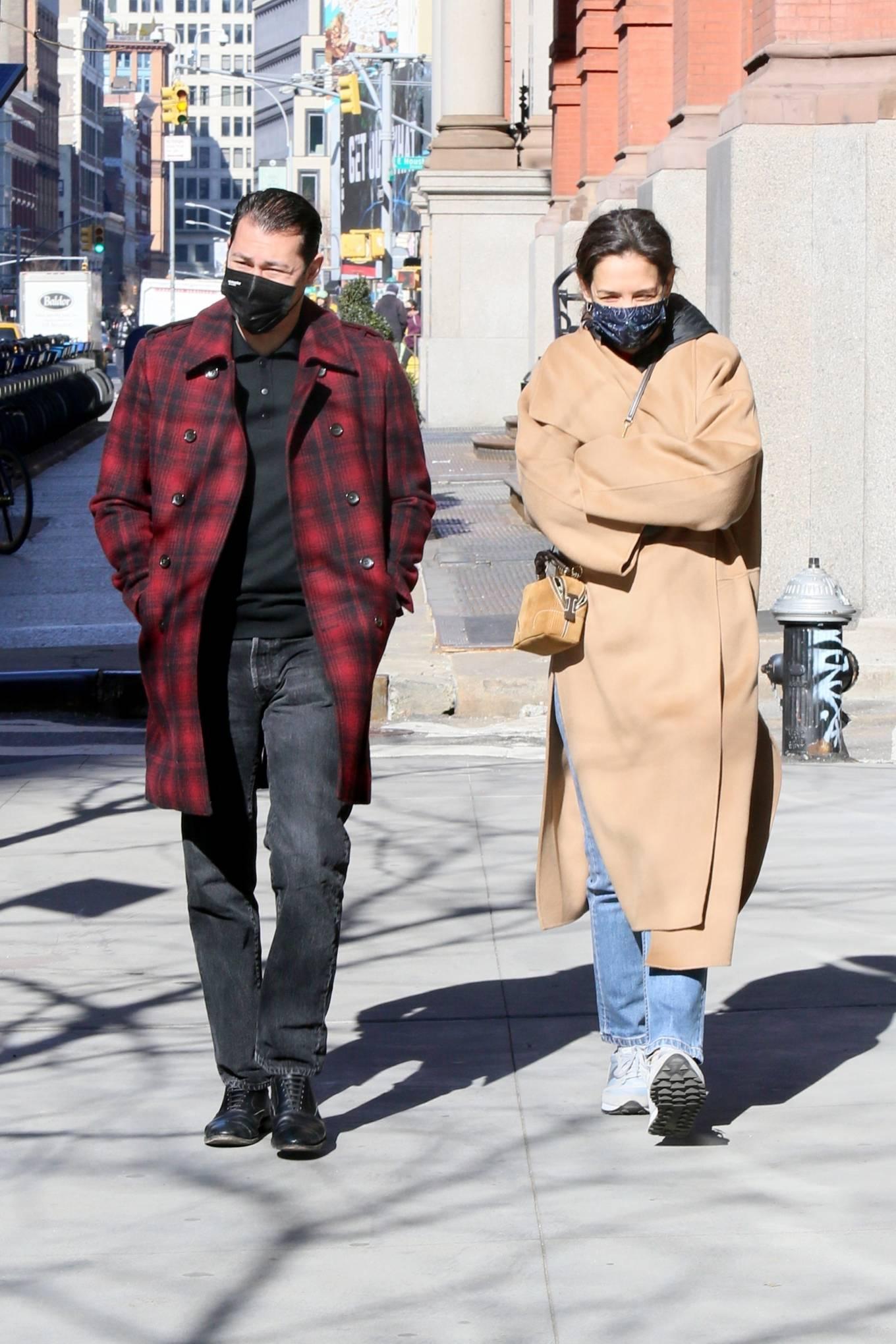 Katie Holmes 2021 : Katie Holmes – With her boyfriend out in Manhattan's Soho area-01