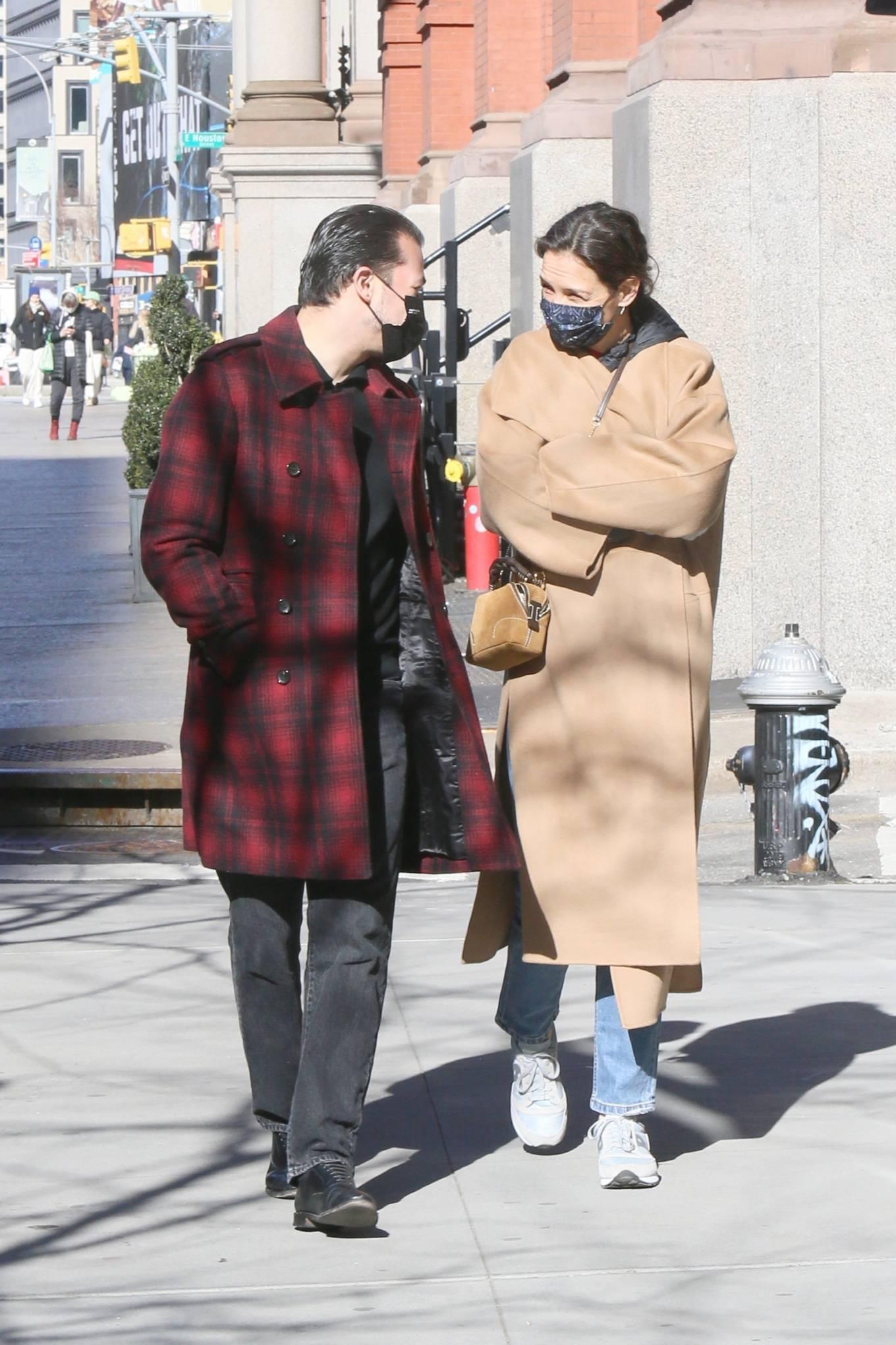Katie Holmes 2021 : Katie Holmes – With her boyfriend out in Manhattan's Soho area-10