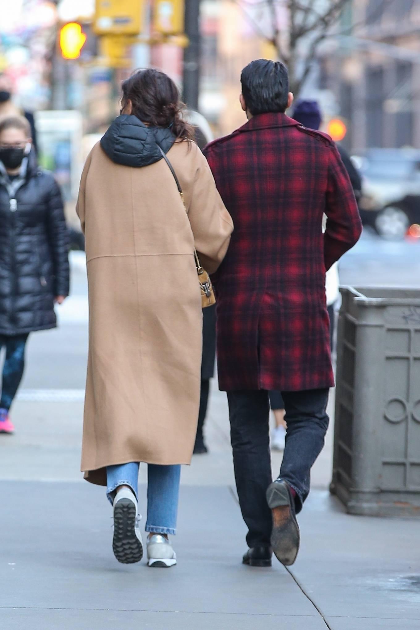 Katie Holmes 2021 : Katie Holmes – With her boyfriend out in Manhattan's Soho area-11