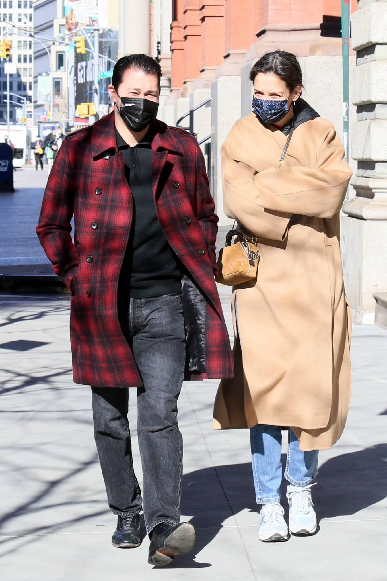 Katie Holmes 2021 : Katie Holmes – With her boyfriend out in Manhattan's Soho area-12