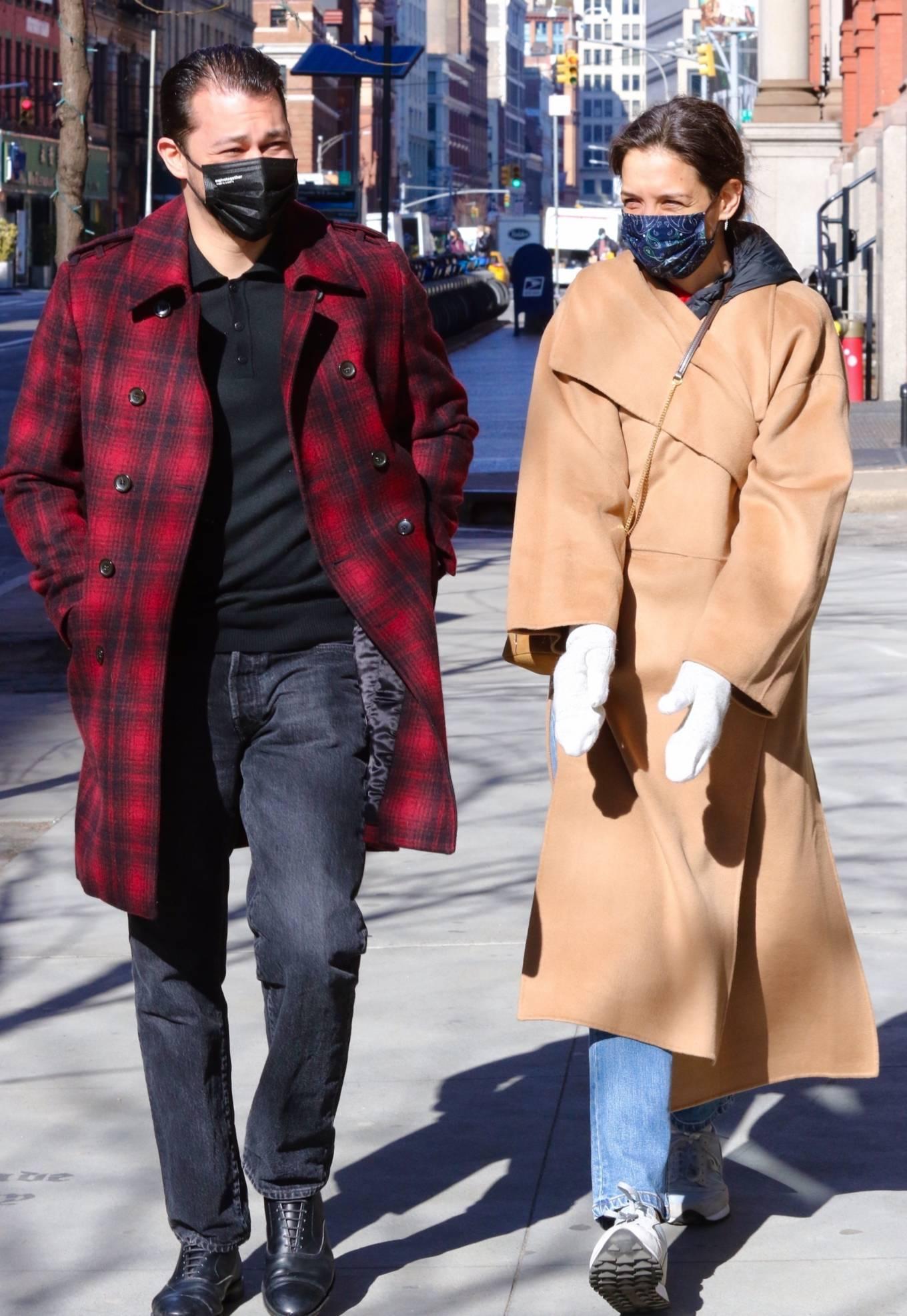 Katie Holmes 2021 : Katie Holmes – With her boyfriend out in Manhattan's Soho area-14