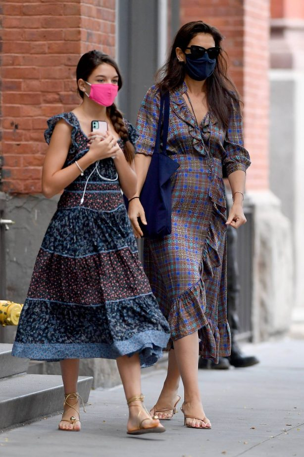 Katie Holmes - With her daughter Suri out in NYC