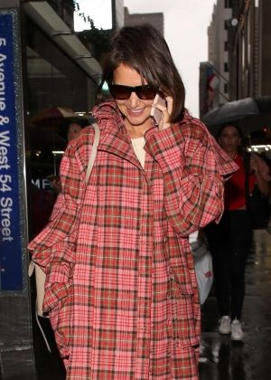 Katie Holmesin Long Coat - Out in New York City