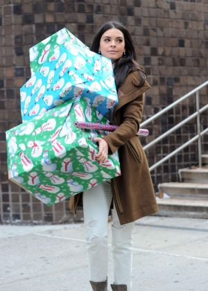 Katie Lee - Shopping on the Upper West Side in NYC