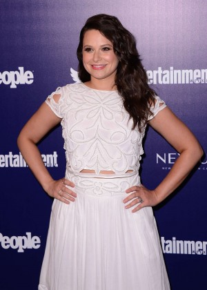 Katie Lowes - Entertainment Weekly And PEOPLE Celebrate The NY Upfronts in NY