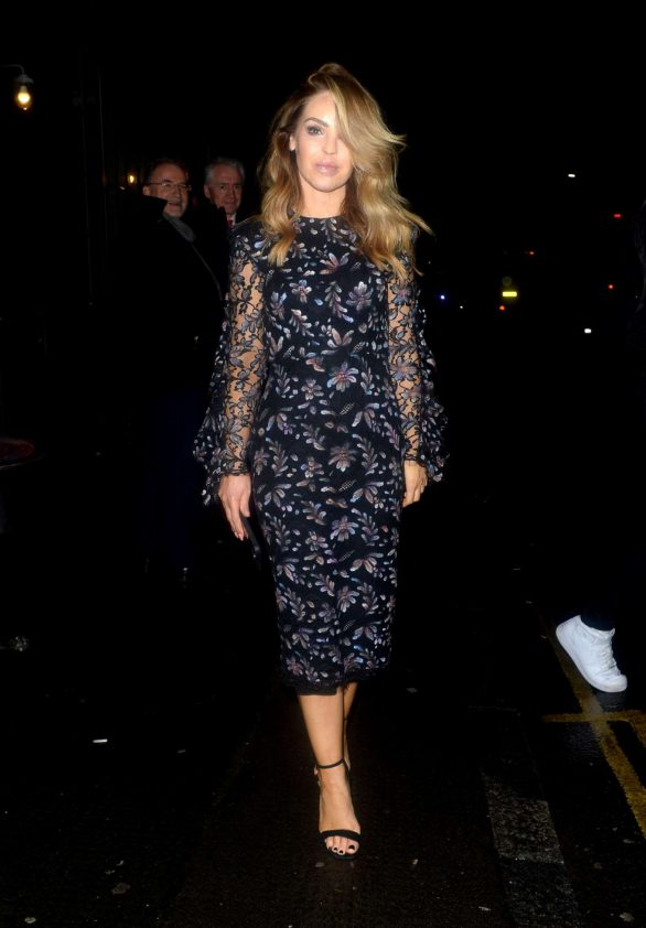 Katie Piper - Arrives at Frankie Bridge's Book Signing in East London