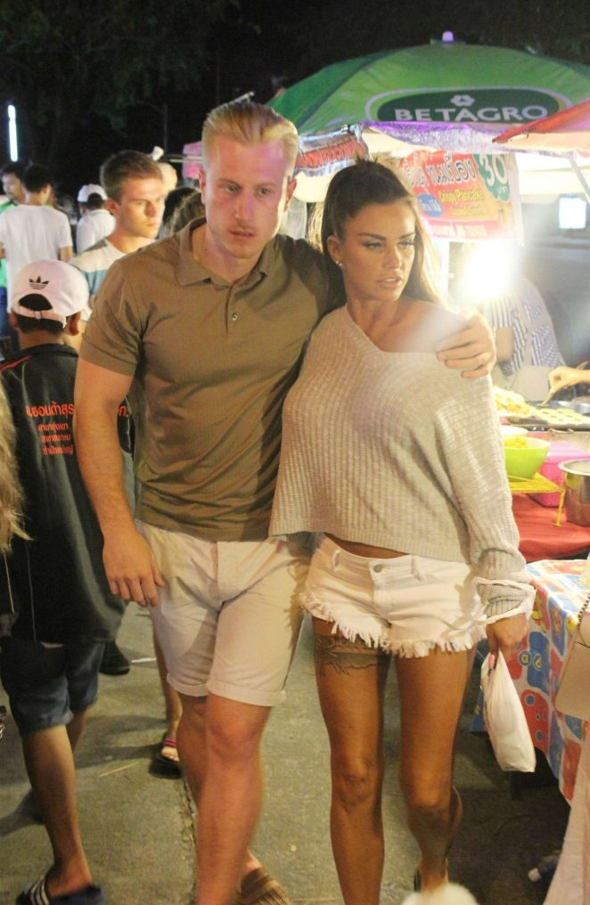 Katie Price and Kris Boyson - Shopping in Koh Samui