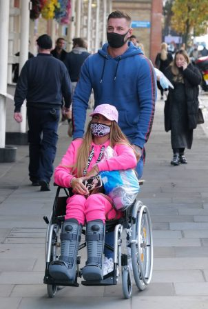 Katie Price - Is seen at the Chelsea and Westminster hospital
