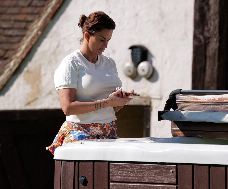 Katie Price 2021 : Katie Price – Seen at her Sussex mansion-01