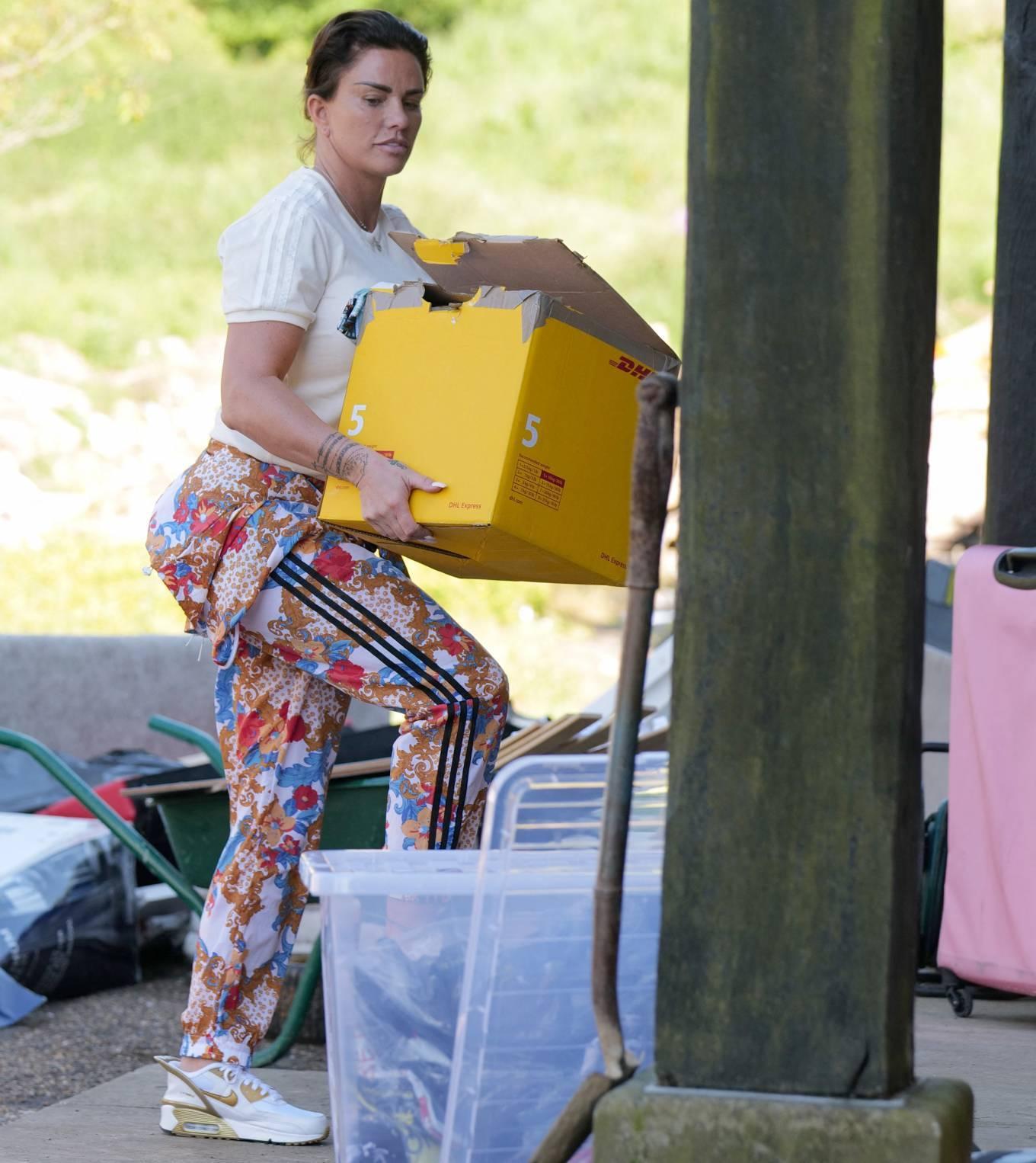 Katie Price 2021 : Katie Price – Seen at her Sussex mansion-03