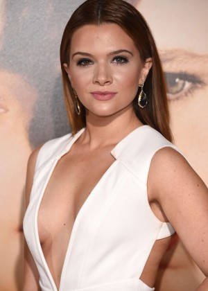 Katie Stevens - 'The Danish Girl' Premiere in Los Angeles