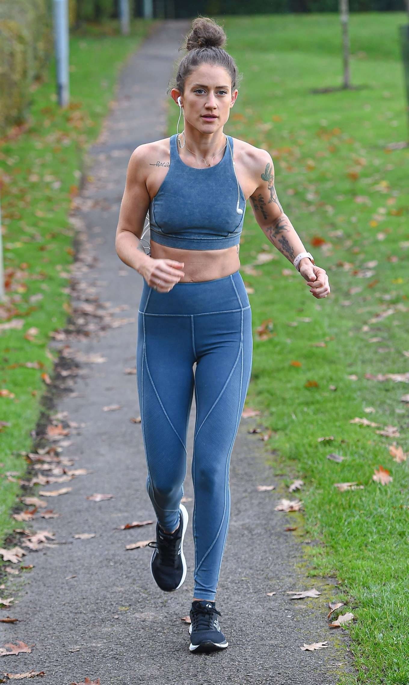 Katie Waissel 2019 : Katie Waissel – Going for an early morning exercise in London-11