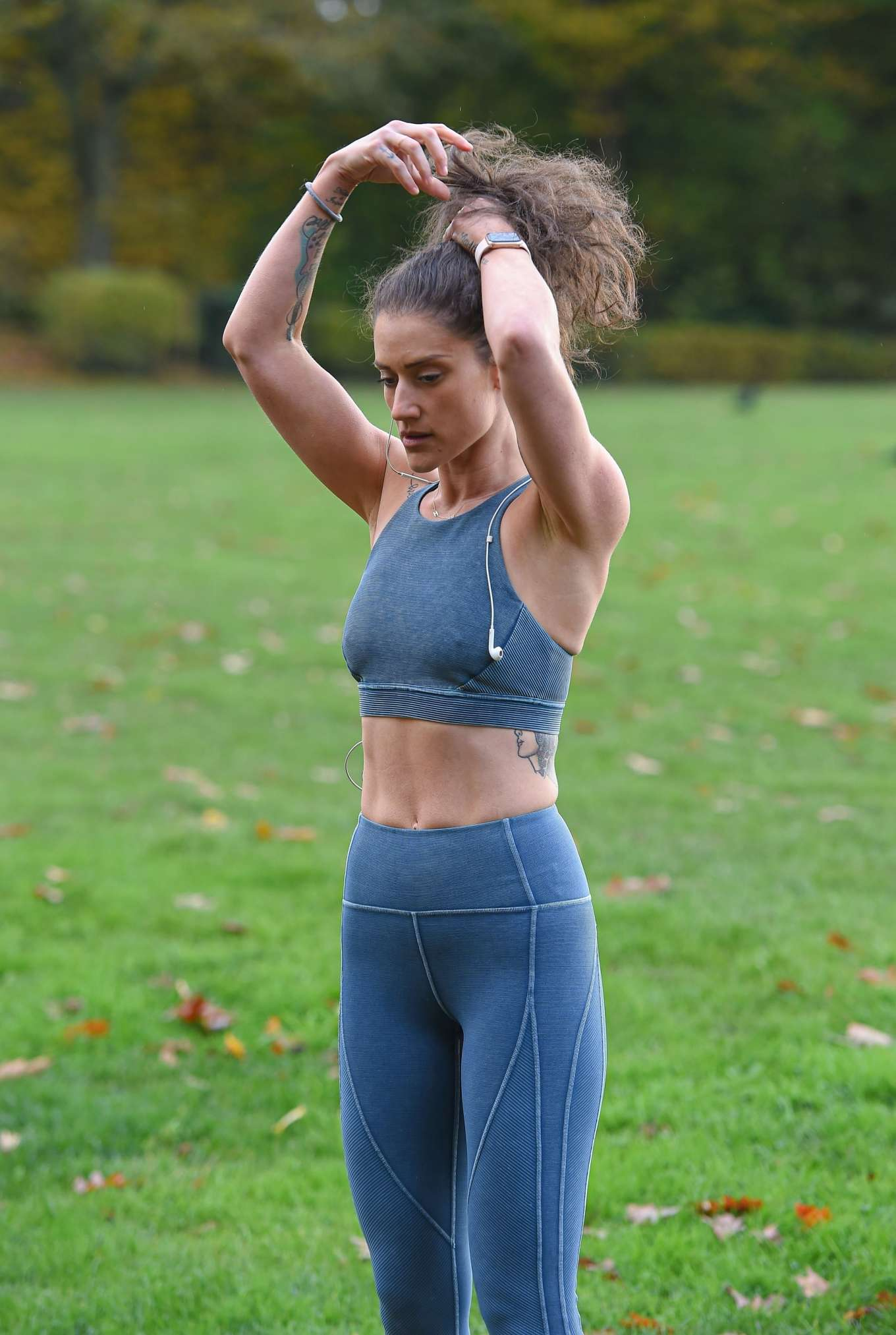Katie Waissel 2019 : Katie Waissel – Going for an early morning exercise in London-13