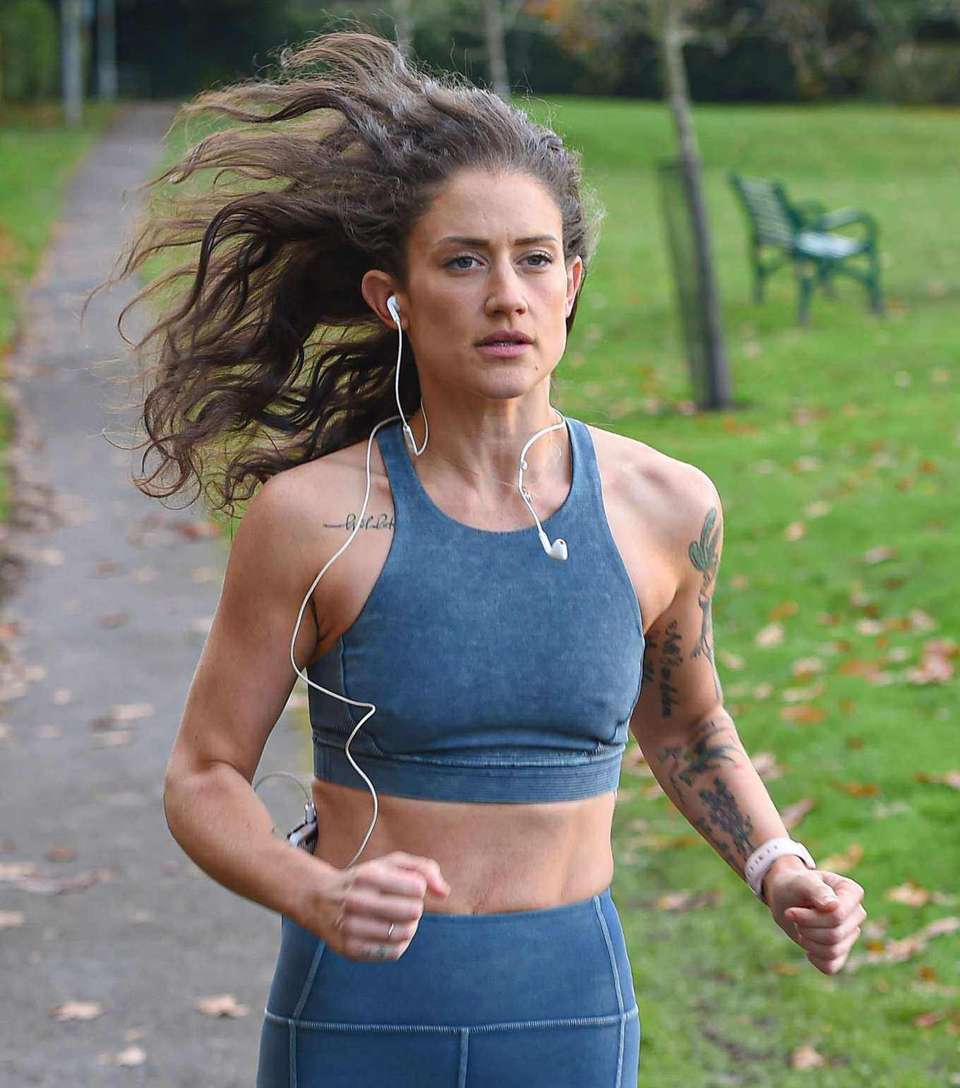 Katie Waissel 2019 : Katie Waissel – Going for an early morning exercise in London-14