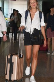 Katrina Bowden in Shorts - Arrives at Sydney Airport