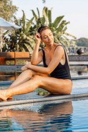 Katrina Bowden - Thailand Travel Guide - Personal