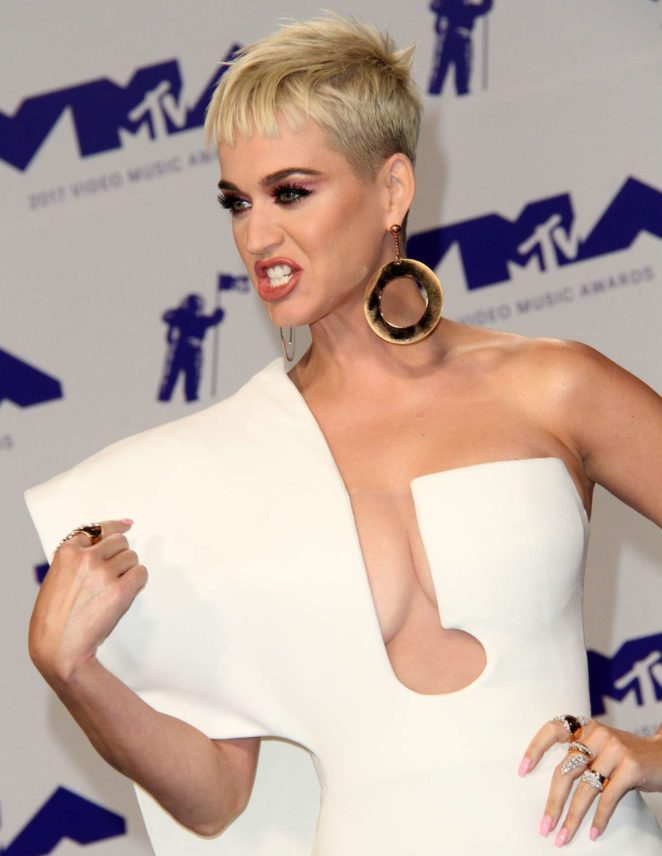 Katy Perry - 2017 MTV Video Music Awards in Los Angeles