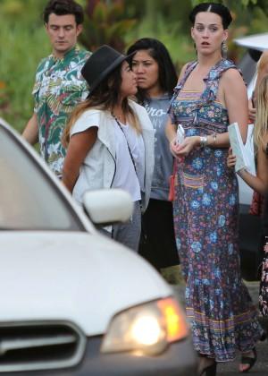 Katy Perry and Orlando Bloom Hiking in Hawaii -02