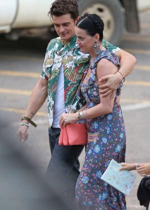 Katy Perry and Orlando Bloom Hiking in Hawaii -03
