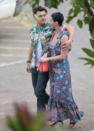 Katy Perry and Orlando Bloom Hiking in Hawaii -04