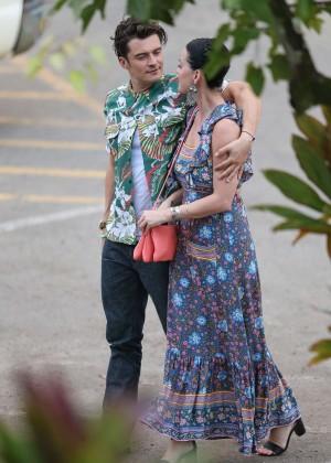 Katy Perry and Orlando Bloom Hiking in Hawaii -05