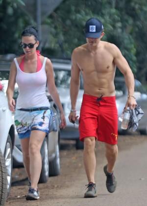 Katy Perry and Orlando Bloom Hiking in Hawaii -06
