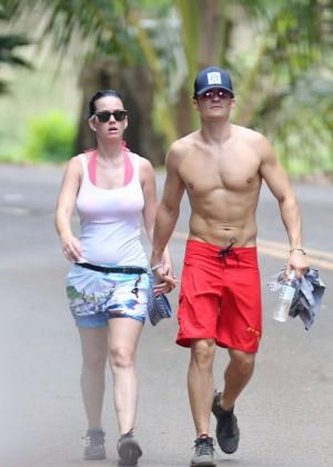 Katy Perry and Orlando Bloom Hiking in Hawaii -07