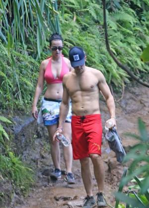 Katy Perry and Orlando Bloom Hiking in Hawaii -12