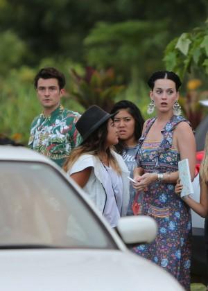 Katy Perry and Orlando Bloom Hiking in Hawaii -14