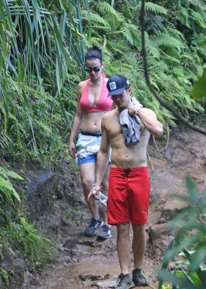 Katy Perry and Orlando Bloom Hiking in Hawaii -15
