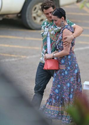 Katy Perry and Orlando Bloom Hiking in Hawaii -16